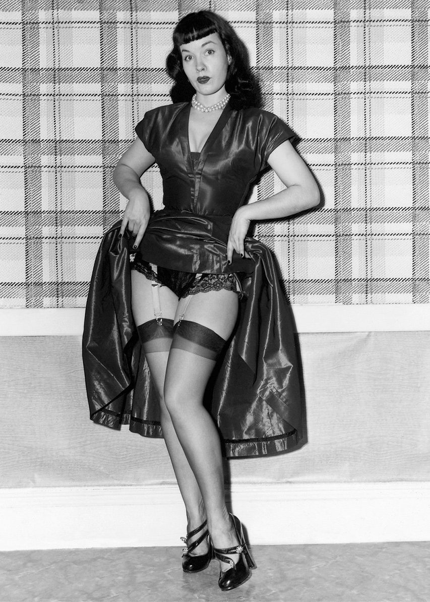 Betty Page Nude Photos 1
