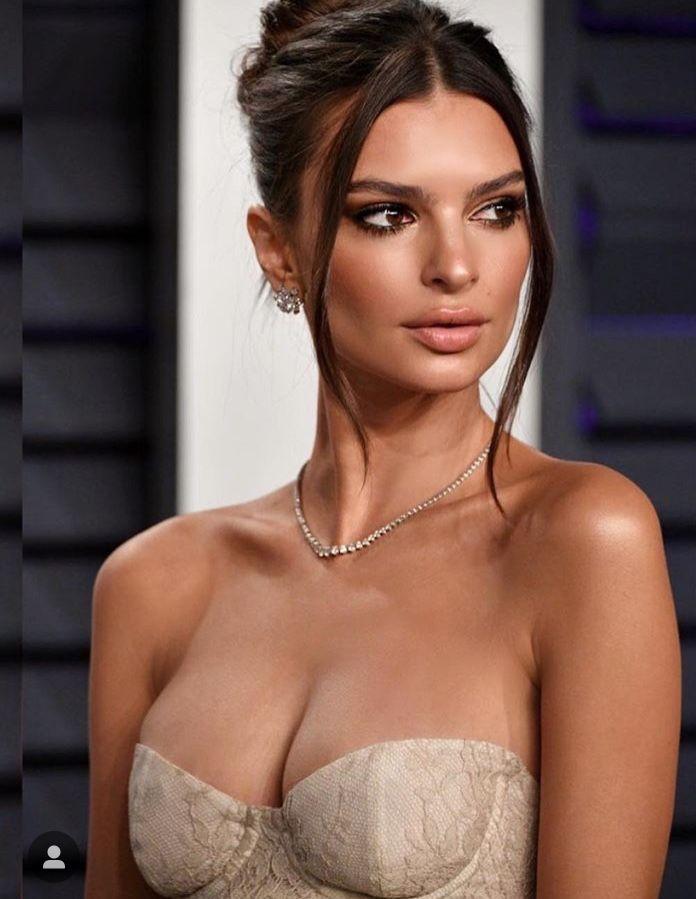 Emily Ratajkowski Hair Up - Get Blurred Lines sexy model