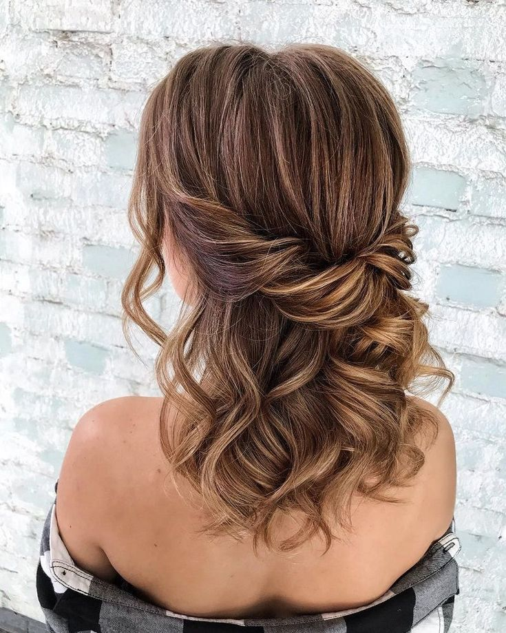 39 Wunderschöne Half Up Half Down Frisuren - Graham Blog #braidsformen