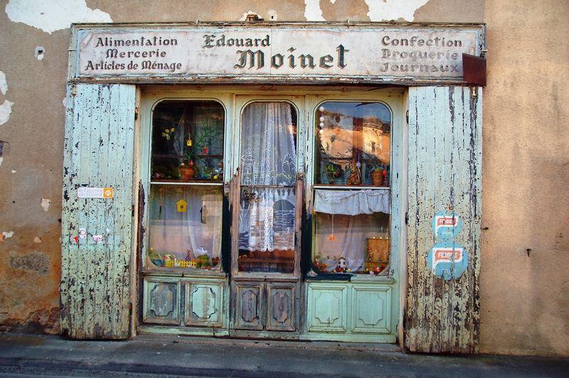 vitrines anciennes pharmacie recherche google vitrines pinterest. Black Bedroom Furniture Sets. Home Design Ideas