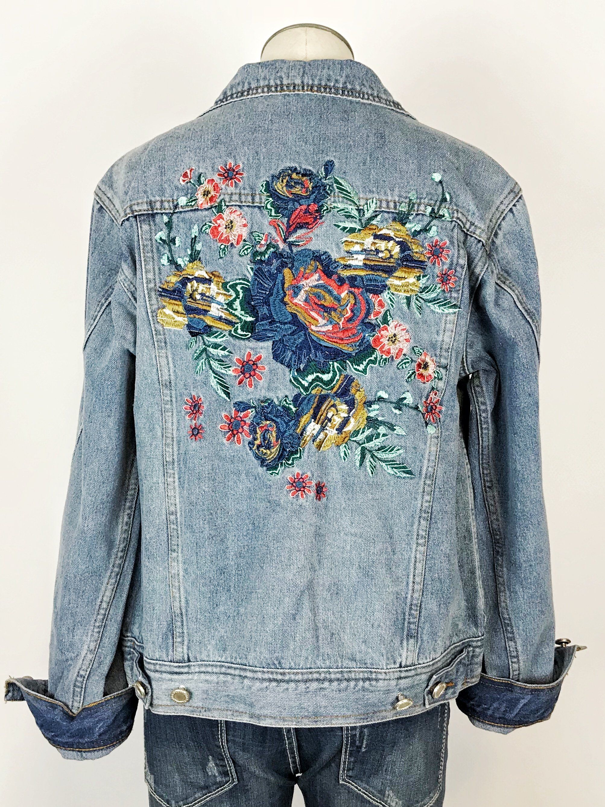 This Floral Embroidered Denim Jacket Is The Perfect Addition To Throw On Over Your Favorite Tees T Embroidered Denim Jacket Embroidered Denim Diy Denim Jacket [ 2677 x 2006 Pixel ]