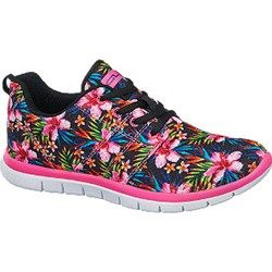 Buty Sportowe Na Wiosne Musisz Je Miec Trendy W Modzie Running Shoes Shoes Sketchers Sneakers