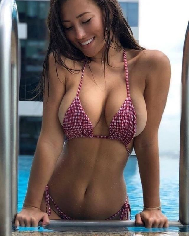 Gorgeous babe tanning her nude body