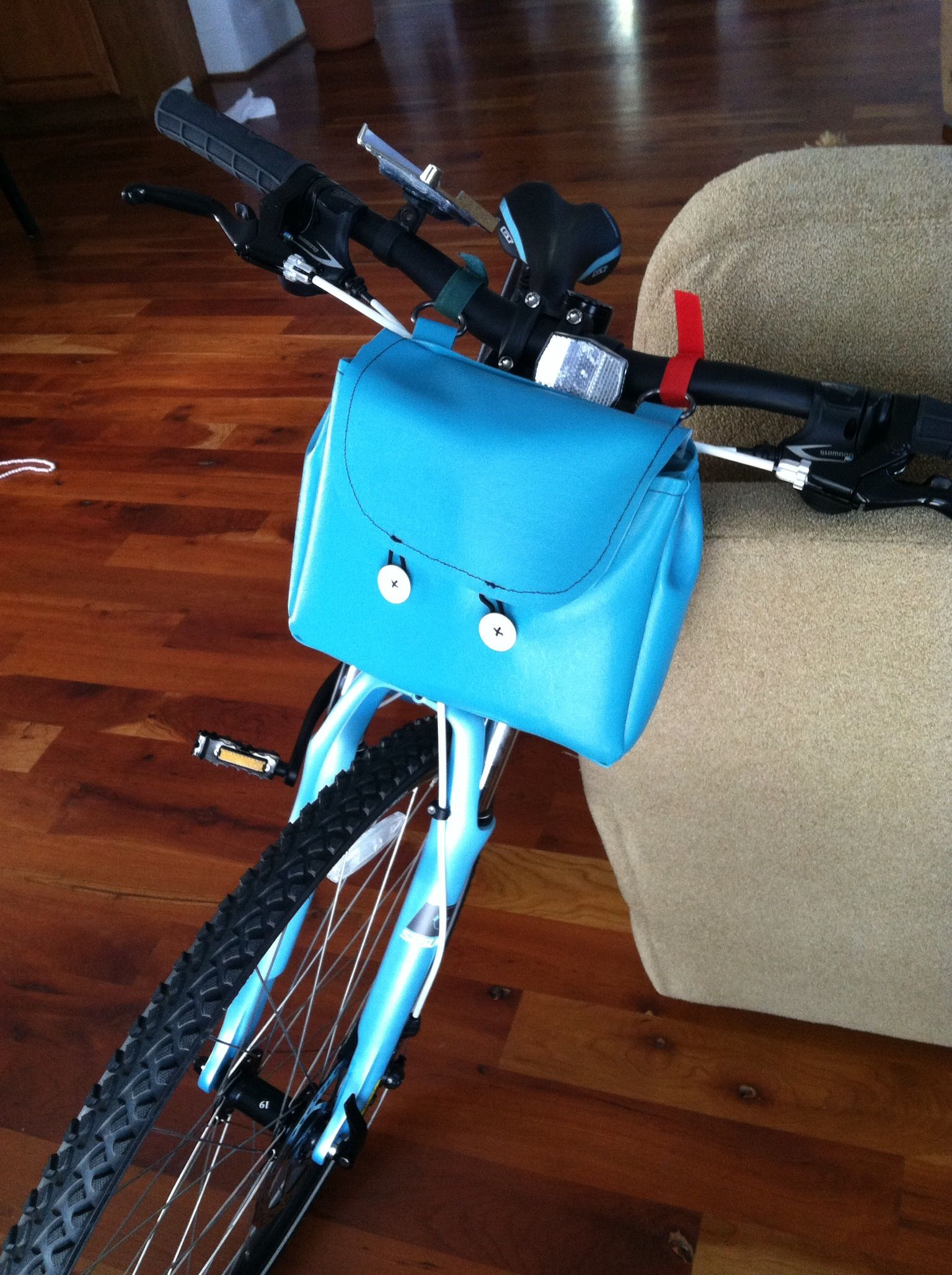 Made My Own Diy Handlebar Bag Bike Bag Now I Can Pack My Mini First Aid Kit And Snacks 3 Total 1 4 Yard Viny Bike Bag Handlebar Bag Mini First Aid Kit