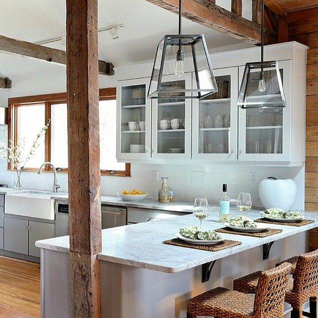 Beach House Renovation Design Decisions For The Kitchen: A Gorgeous Beach House Kitchen With A Rustic Feel. Design