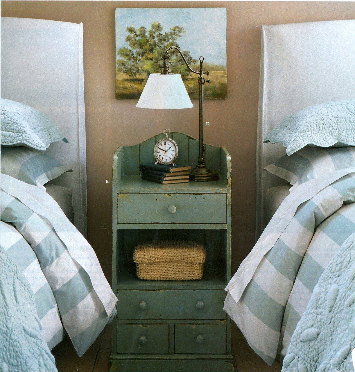 Simply pretty guest room