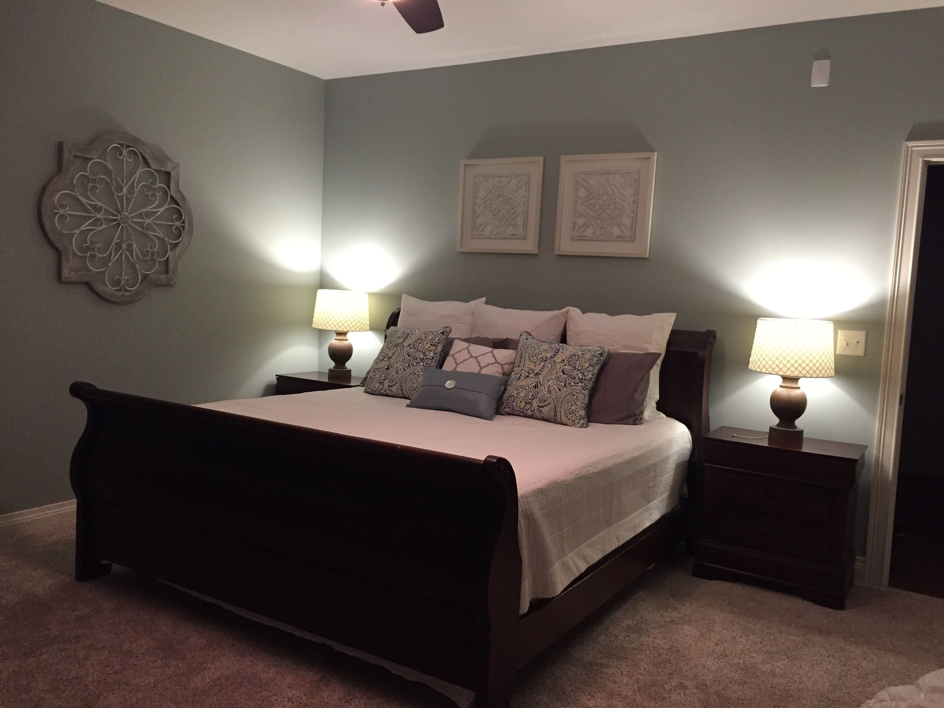 Best Simple Elegance Master Bedroom White Comforter That Is A 400 x 300