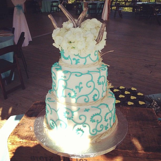 Rustic Chic Wedding Cakes: Rustic Chic Turquoise And White Wedding Cake / 2tarts