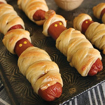 This is a fun food craft  (PIGS IN A BLANKET W/ MUSTARD EYES)