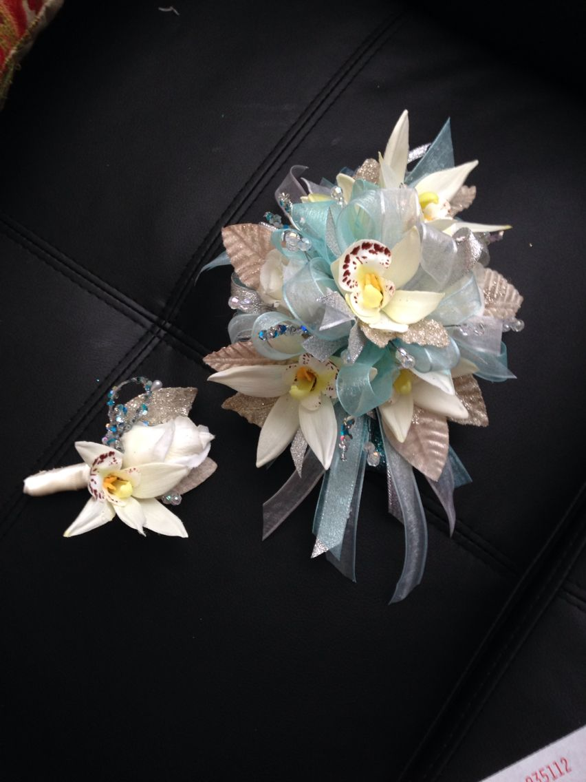 Pin By Dulioso79 On Coursages Pinterest Corsage Prom And Orchids