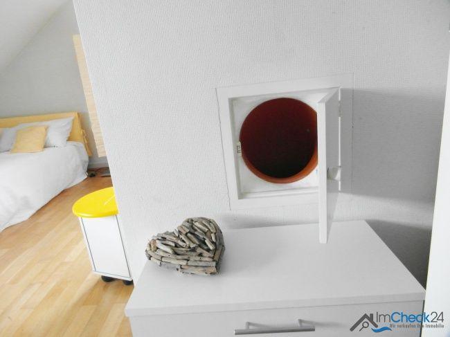 w scheabwurf in den waschkeller repr sentatives einfamilienhaus mit gro z giger au enanlage. Black Bedroom Furniture Sets. Home Design Ideas
