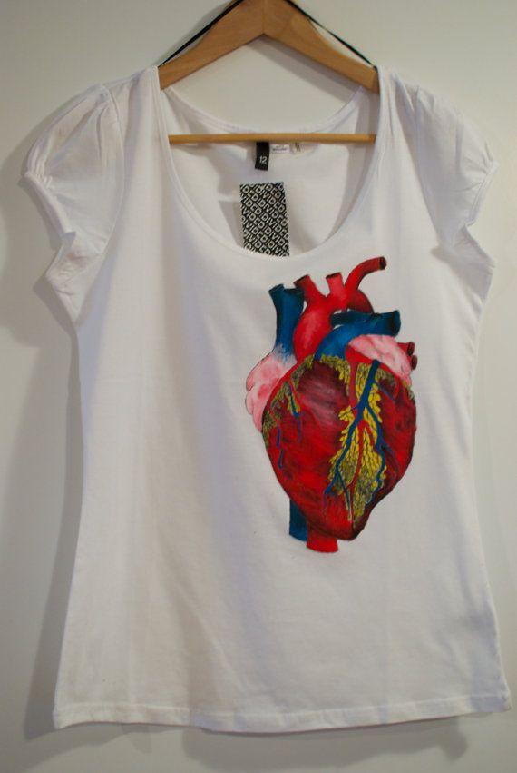 Remera mujer anatomía corazón medicina. | Remeras Médicos ...
