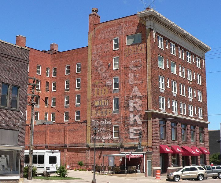 File Clarke Hotel Hastings Nebraska From Se 2 Jpg
