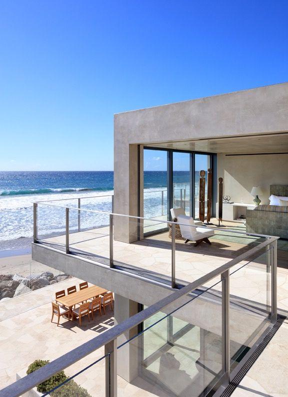 Malibu Home With Midcentury Furnishings
