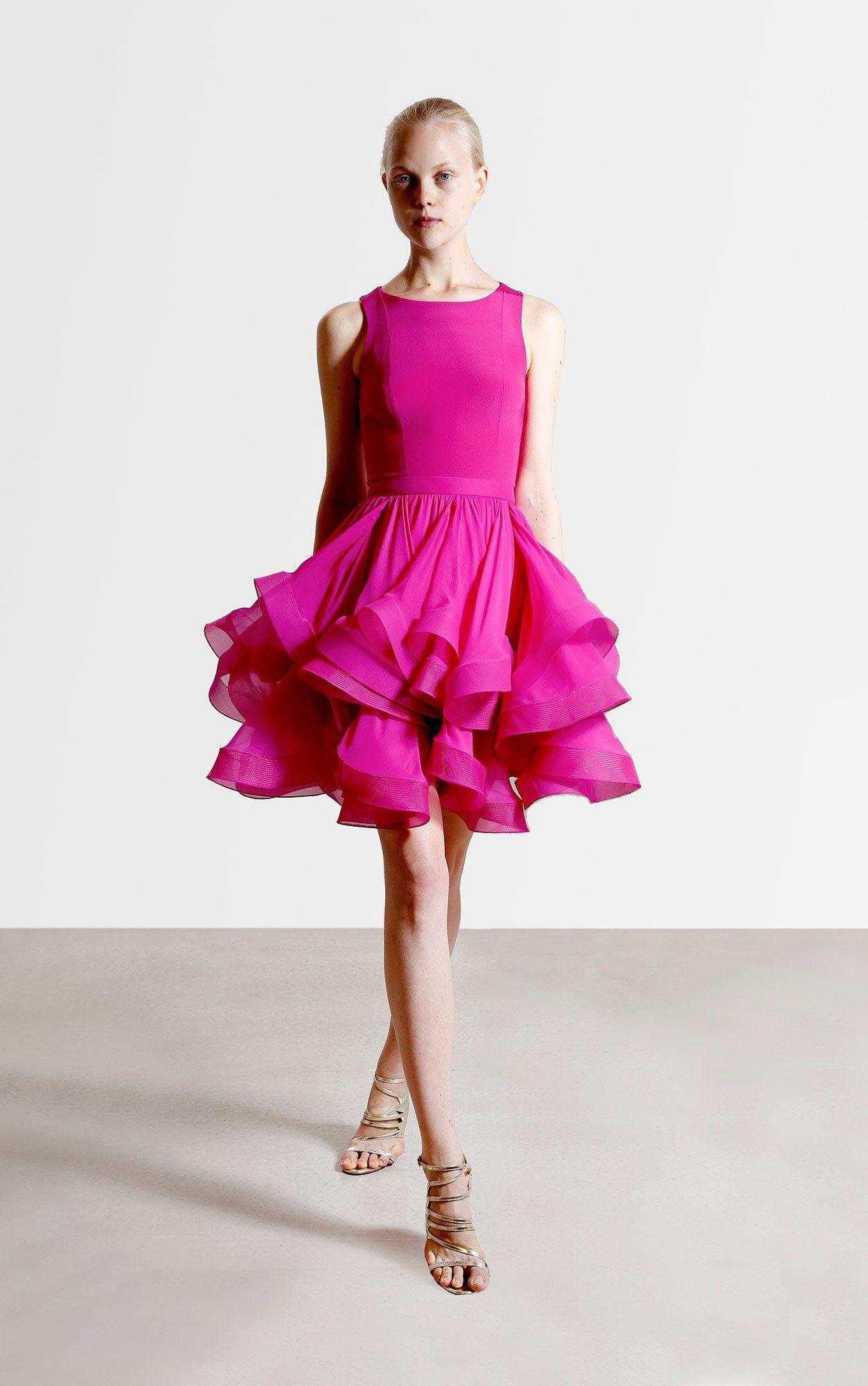 Reem Acra Resort 2017 Fashion Show   Moda rosada, Vestiditos y Fucsia