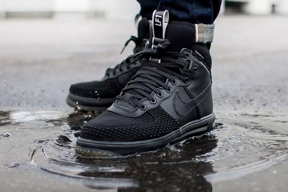 Nike Air Force 1 Lunaires Robes Noires Et Blanches