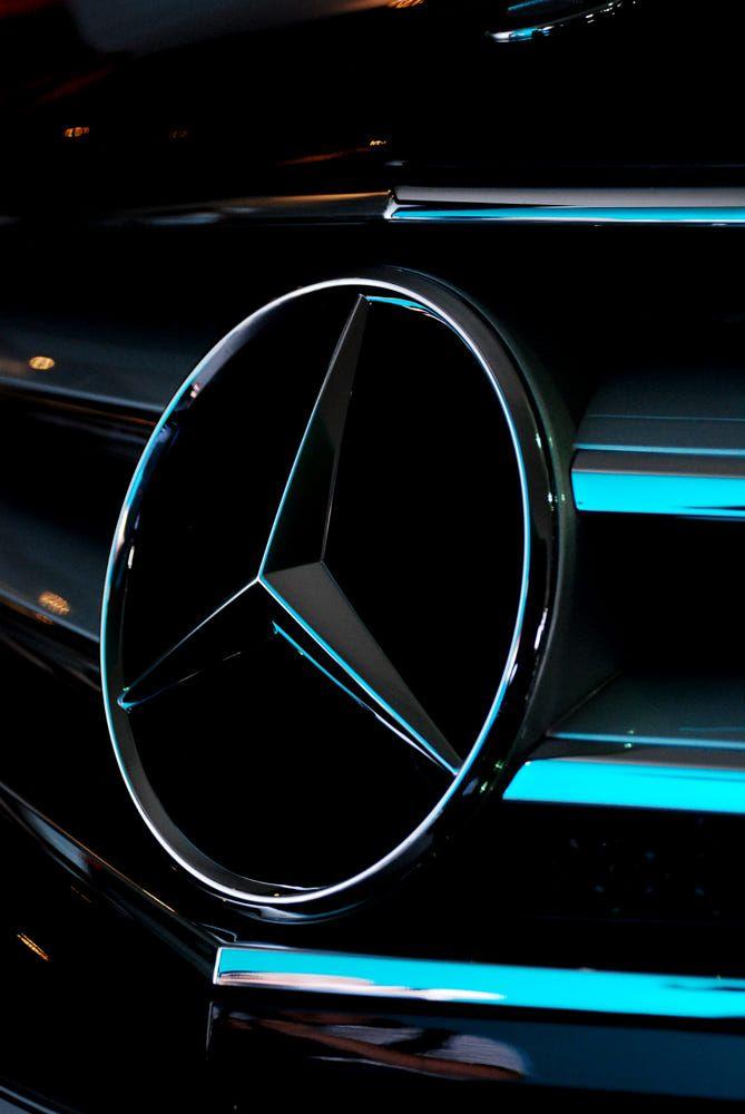 Mercedes Benz Logo , автор — Rusydi Akmal Shahrani.Фото 4685862 / 500px