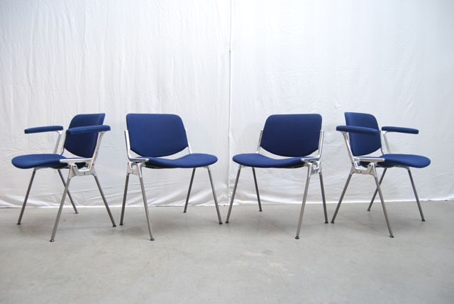 6 Design Stoelen.Sold Een Set Van 6 Design Stoelen Ontworpen Door Giancarlo