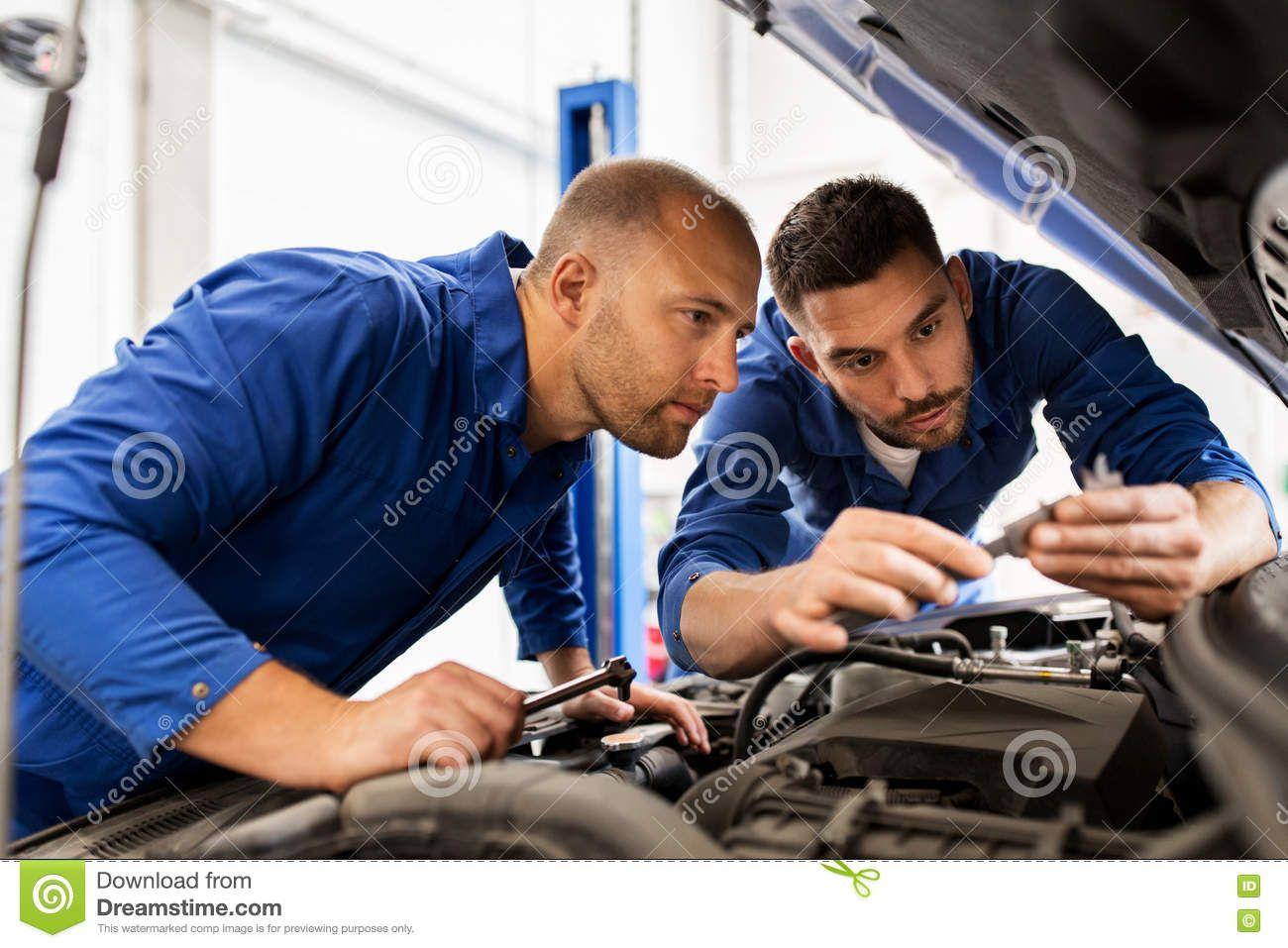 Mechanic Men With Wrench Repairing Car At Workshop Mechanic Man Automotive Technician Mechanic