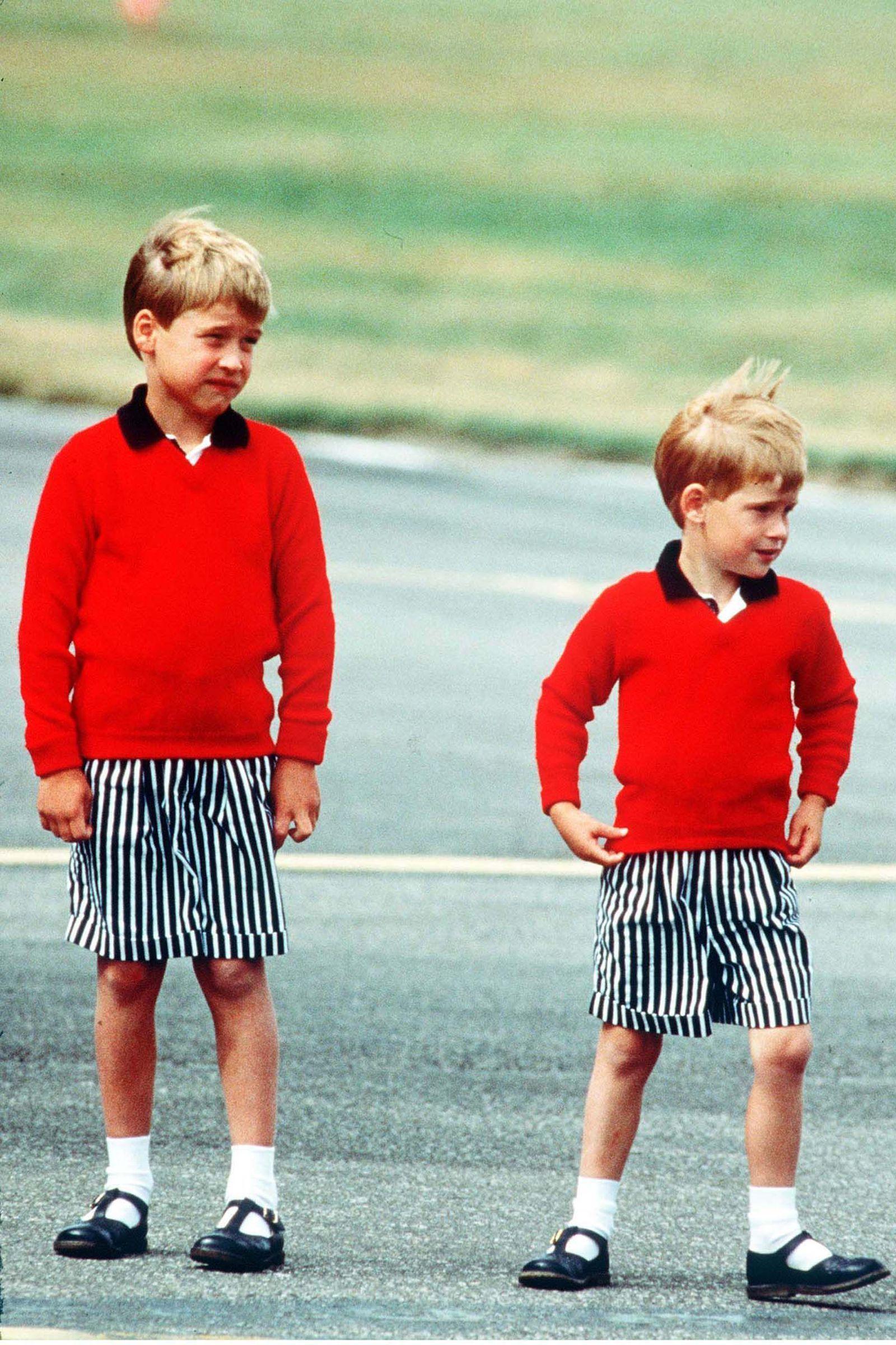 Prins William en prins Harry's jeugd in 33 foto's - Prins ...