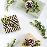 DIY Boxwood and Pinecone Gift Topper