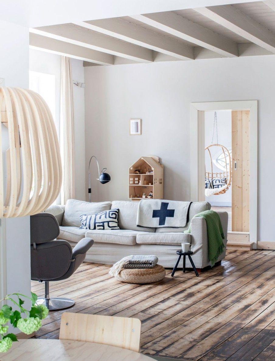 Scandinavische woonkamer met hout | Scandinavian living room with ...