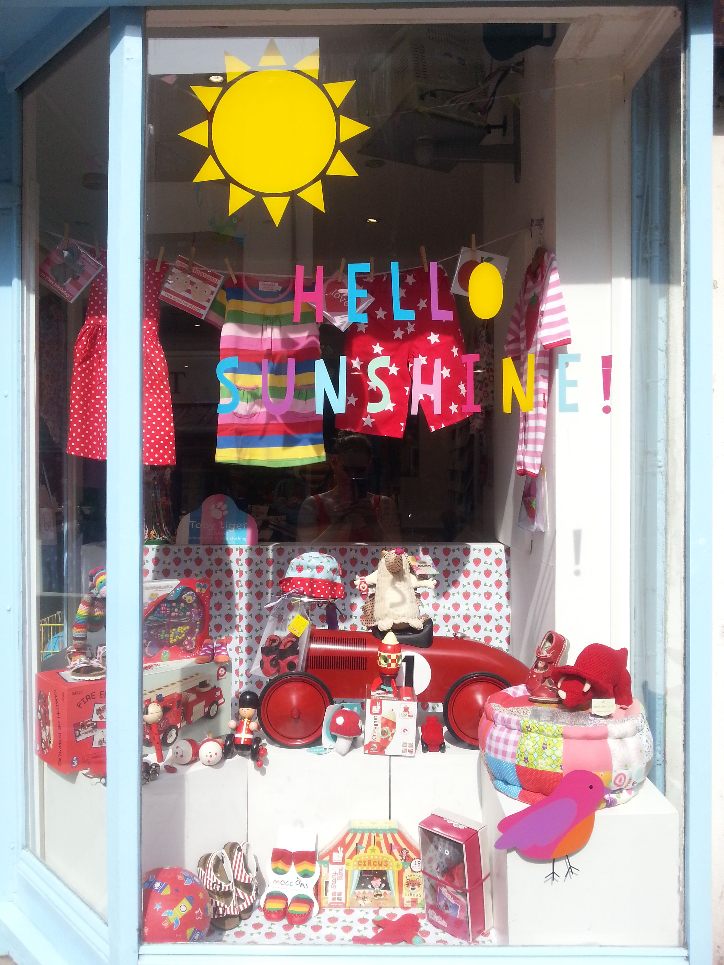 hello sunshine window display shop pinterest ForDekoration Und Display