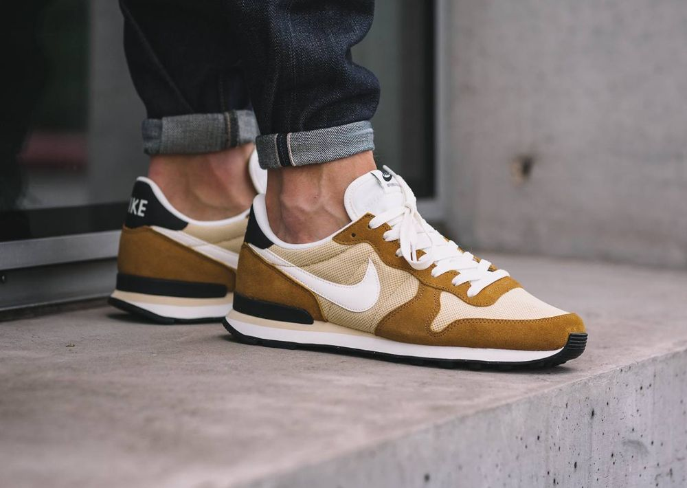 Nike Internationalist 'Curry' Vegas Gold Rocky Tan (homme)