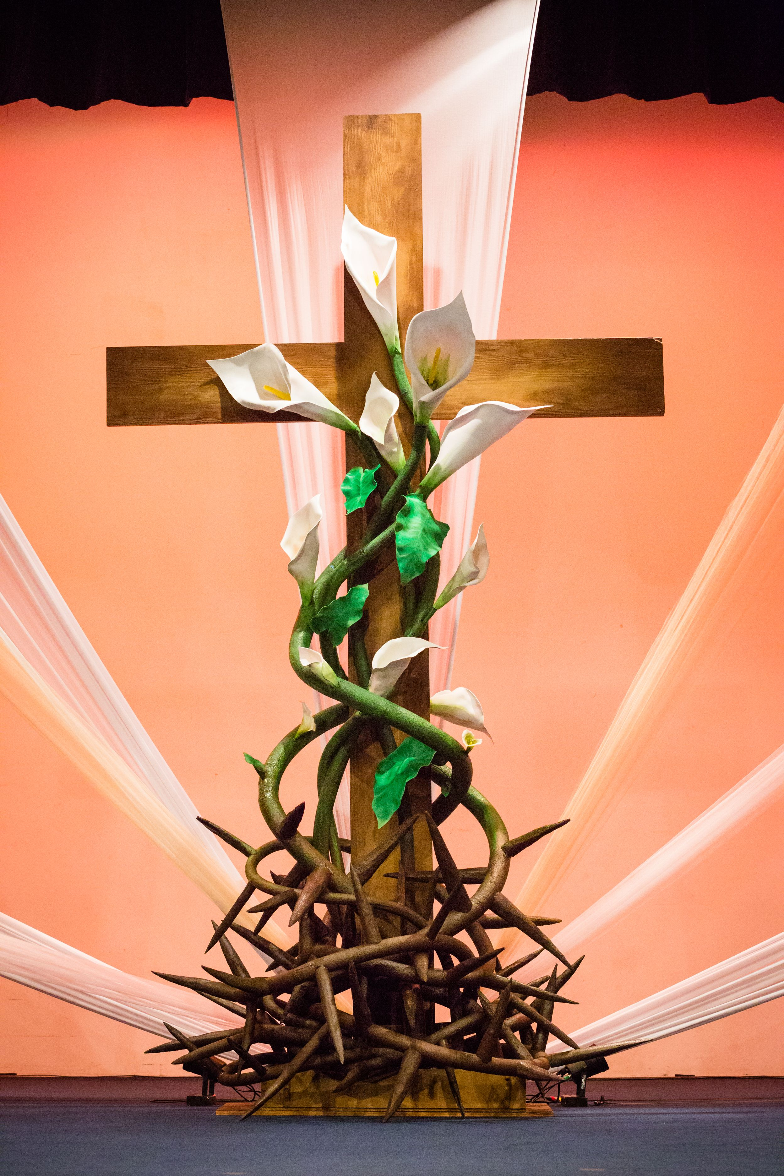Religious easter yard decorations - Lynn Colvin From Christian Fellowship Church In Harlingen Texas Brings Us This Super Clean Look For Easter This Easter Stage Design Was Inspired By An