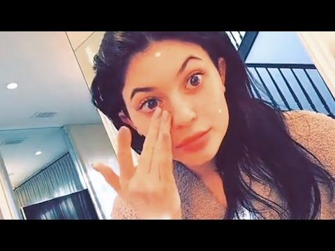 Kylie Jenner | How I Do My Lips | Tutorial | By Kylie Jenner - YouTube