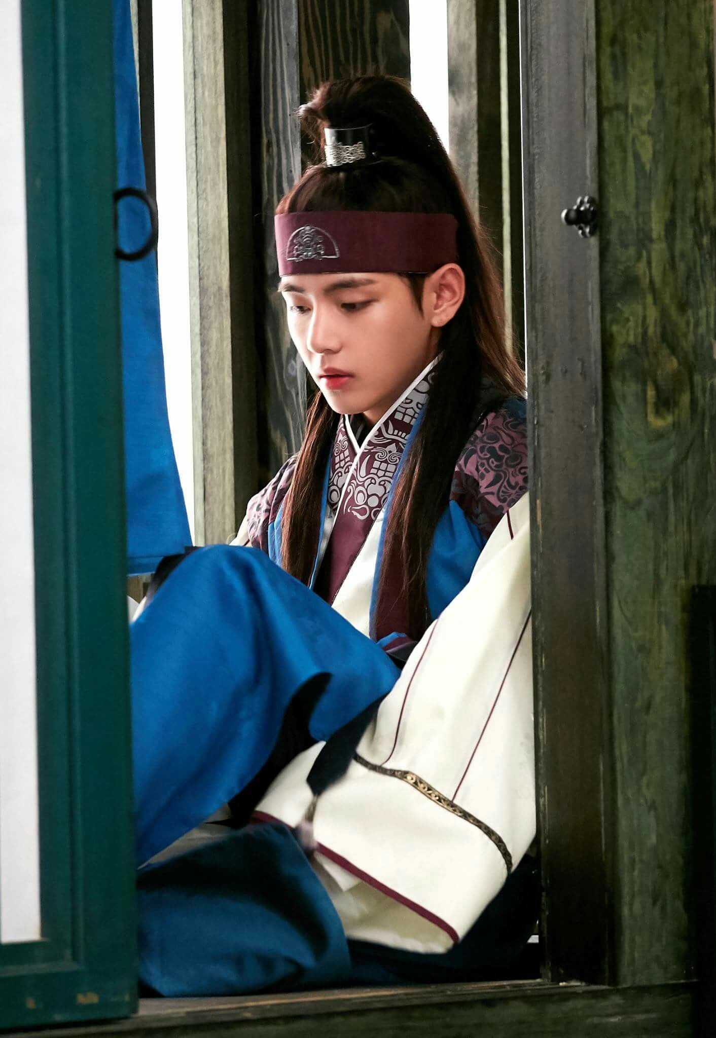 Taehyung ❤ Hansung in Hwarang Photo! #BTS #방탄소년단
