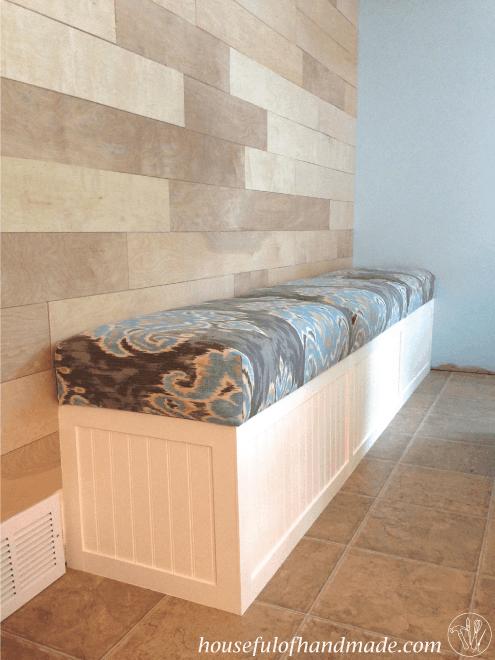 Diy Blanket Storage Chest In 2020 Dining Room Bench Storage