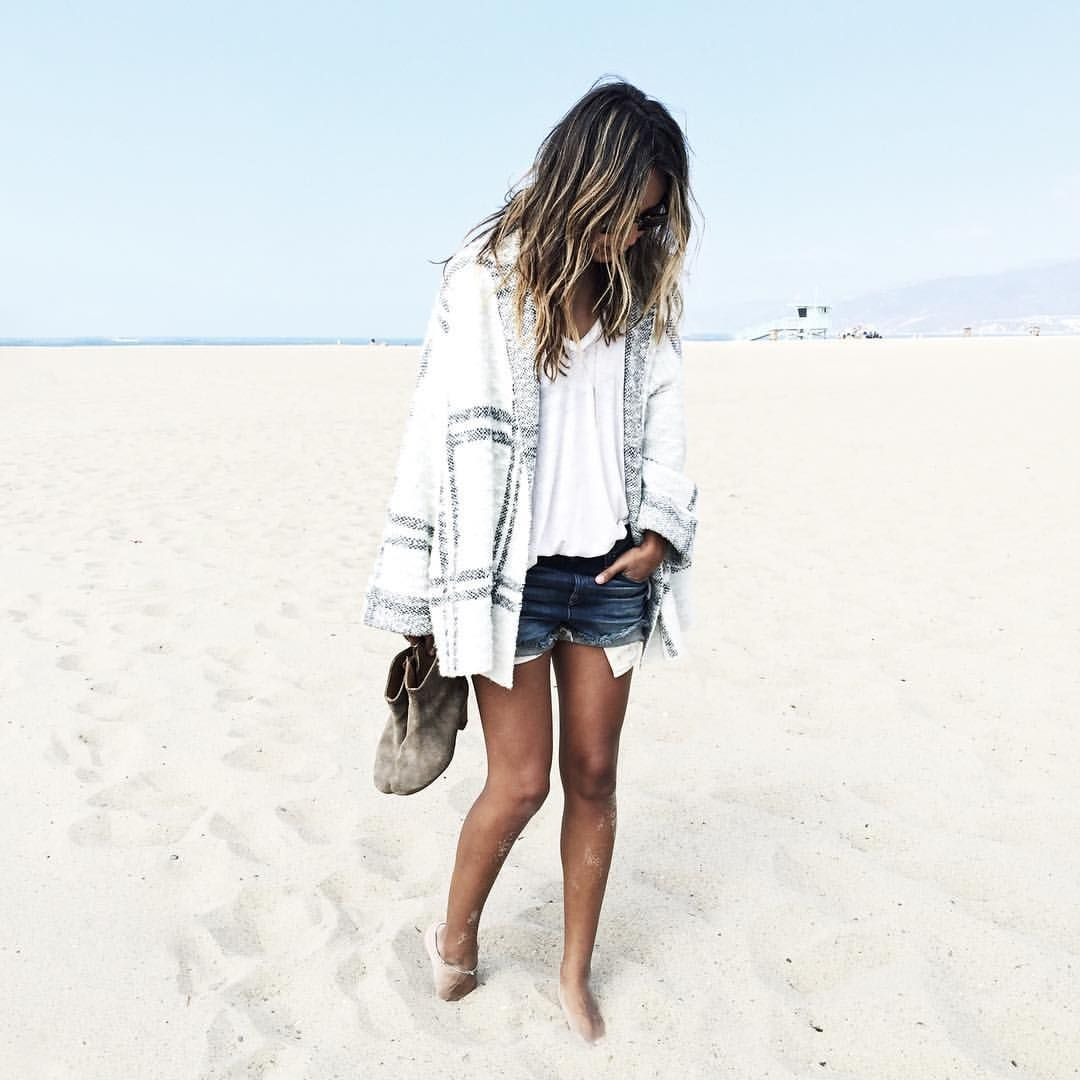 """Julie Sariñana på Instagram: """"This is what I call cozy wearing @freepeople. Craving for fall on the beach already! @nordstrom @liketoknow.it www.liketk.it/1JeY4 #liketkit"""""""