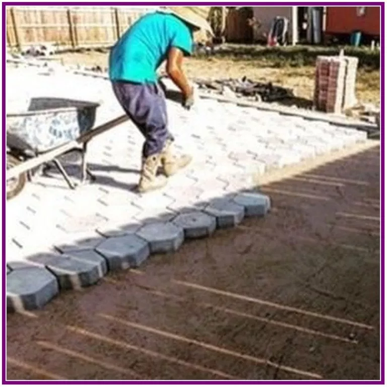 32 Easy Diy Pavement Molds For Backyard Design Aux Pays Des Fleurs Com Concrete Pavers Diy Patio Pavers Backyard Design