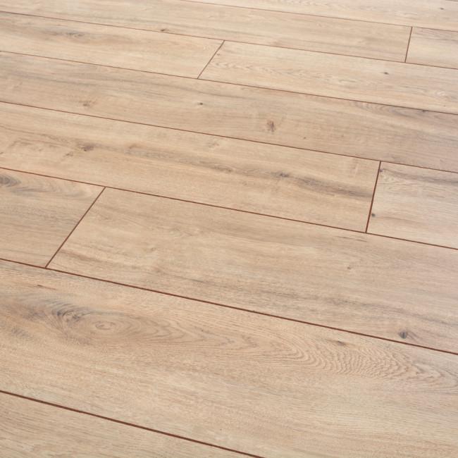 Clarion Tacoma Oak 12mm Laminate Flooring 361241 93995 In 2020 Oak Laminate Flooring Oak Laminate Wood Floors Wide Plank
