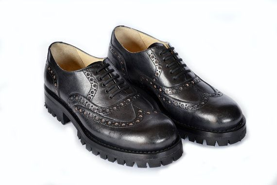 Lace-up Leather Brogues shoes Man brogues  di MDesignWorkshop