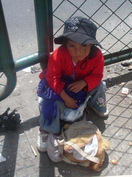 """""""A lo largo de mi estadía en Ecuador me acostumbré a ver a estos niños pobres en la calle, pidiendo caridad . . ."""" p. 6"""