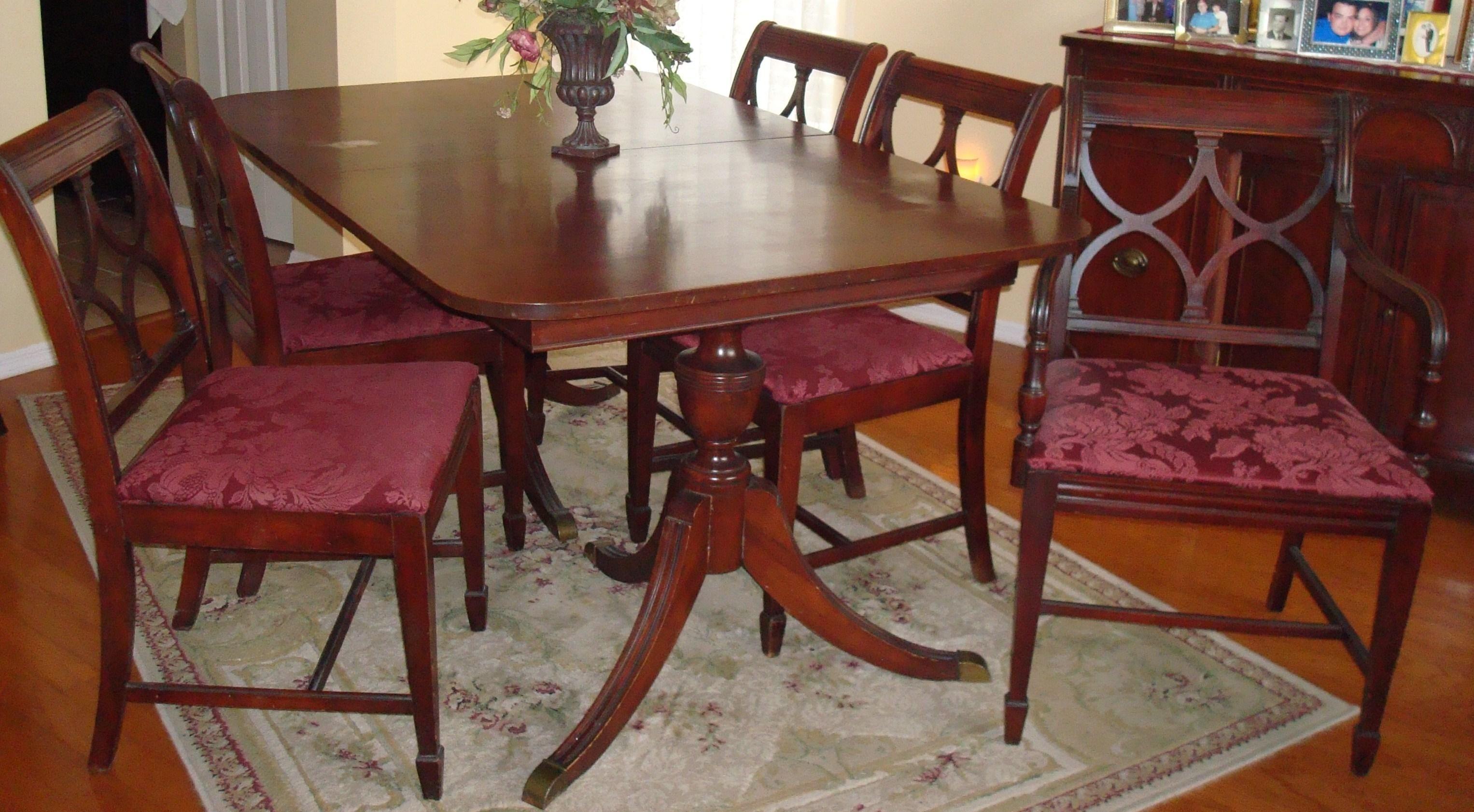 1950s Duncan Phyfe Dining Room Set