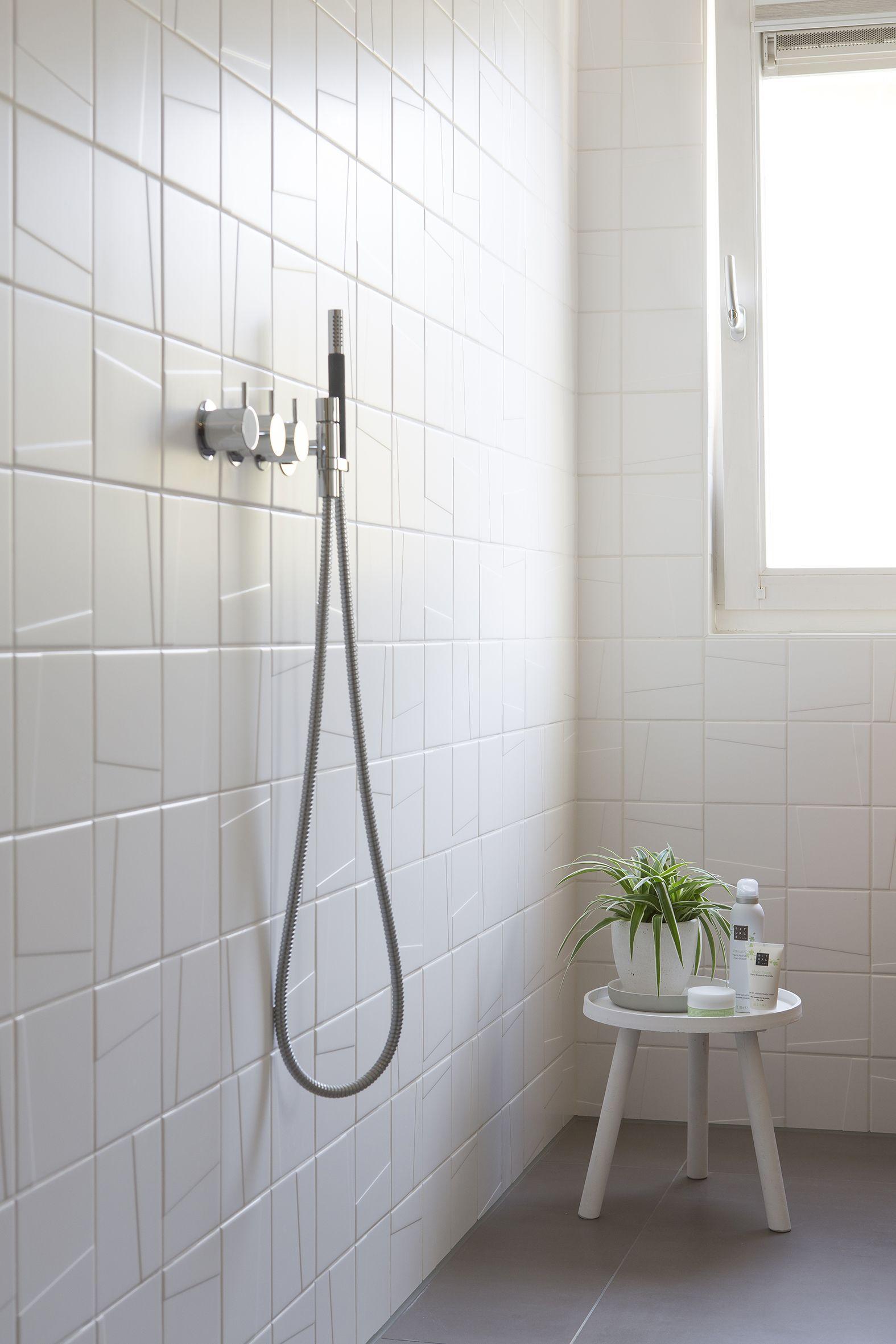 Een designwand naar je hand. Mosa badkamertegels badkamervloer en ...