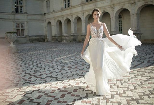Fashion Friday: Alon Livne White 2016 Collection | Sexy | Gorgeous | Back details | V-neck | Mermaid | Lace | Sultry | Sheer | Sweetheart neckline | Intricate panel details | Nude | White | http://brideandbreakfast.hk/2016/03/18/alon-livne-white-2016-collection/