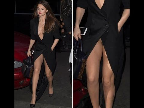 Descuidos Ardientes De Famosas Selena Gomez No Usa Ropa