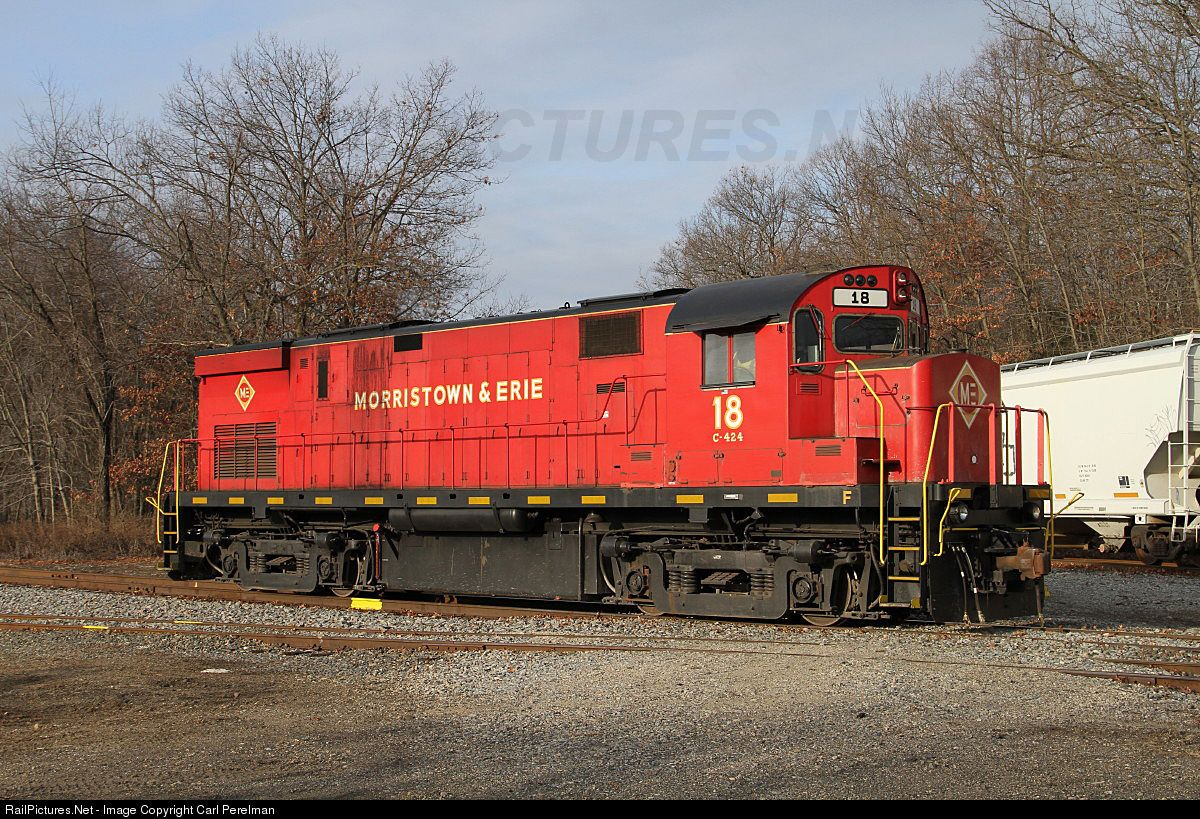 RailPictures.Net Photo: M&E 18 Morristown & Erie Railway Alco C424 at Roxbury, New Jersey by Carl Perelman