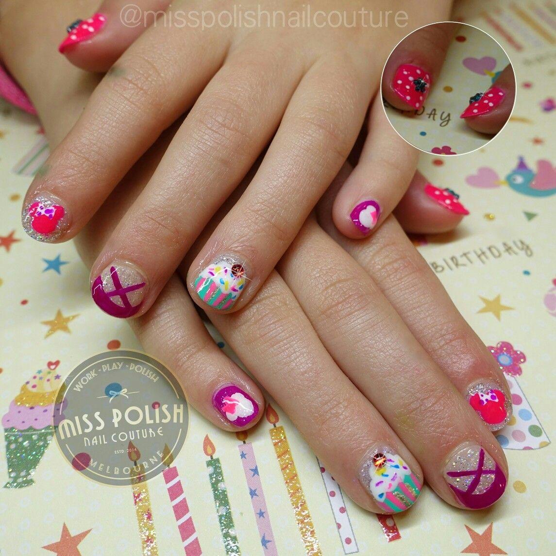 Nail Art Couture Converse Nail Art: Kids. Nail Art. Kids Art. Nails. Manicure. Cupcakes