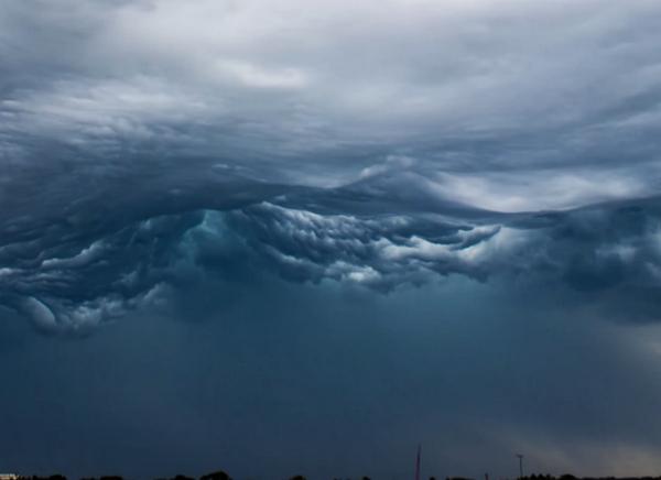 Необычные облака Асператус (Undulatus asperatus). Фото и видео | PoAsii.ru