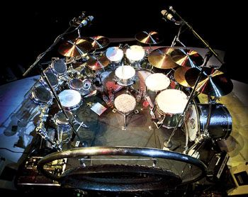 Alex Van Halen Bashing And Crashing In The Here And Now Modern Drummer Magazine Alex Van Halen Drums Van Halen