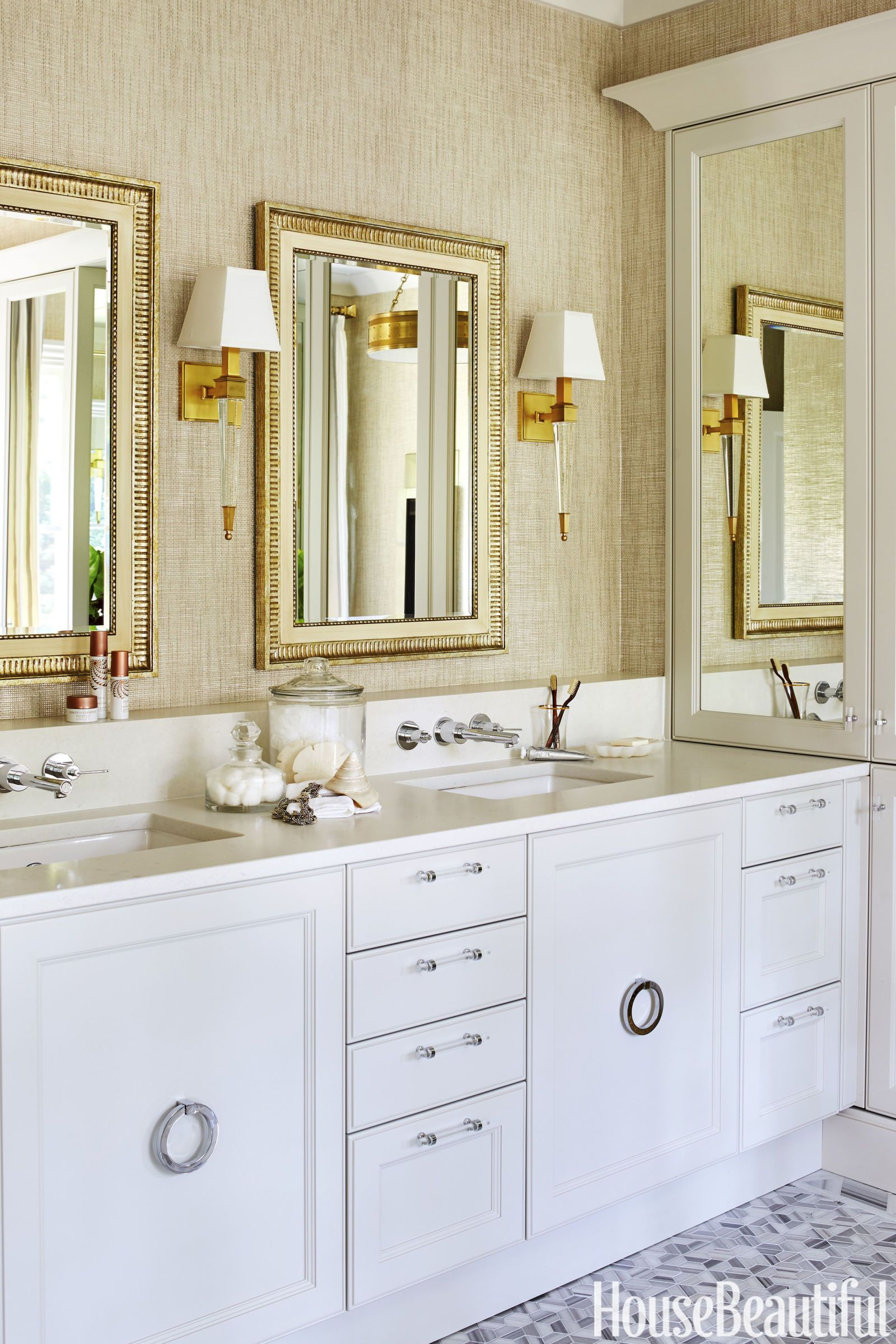Pampering Comes Easy in This Gilded Master Bath in 2018   Home Ideas ...
