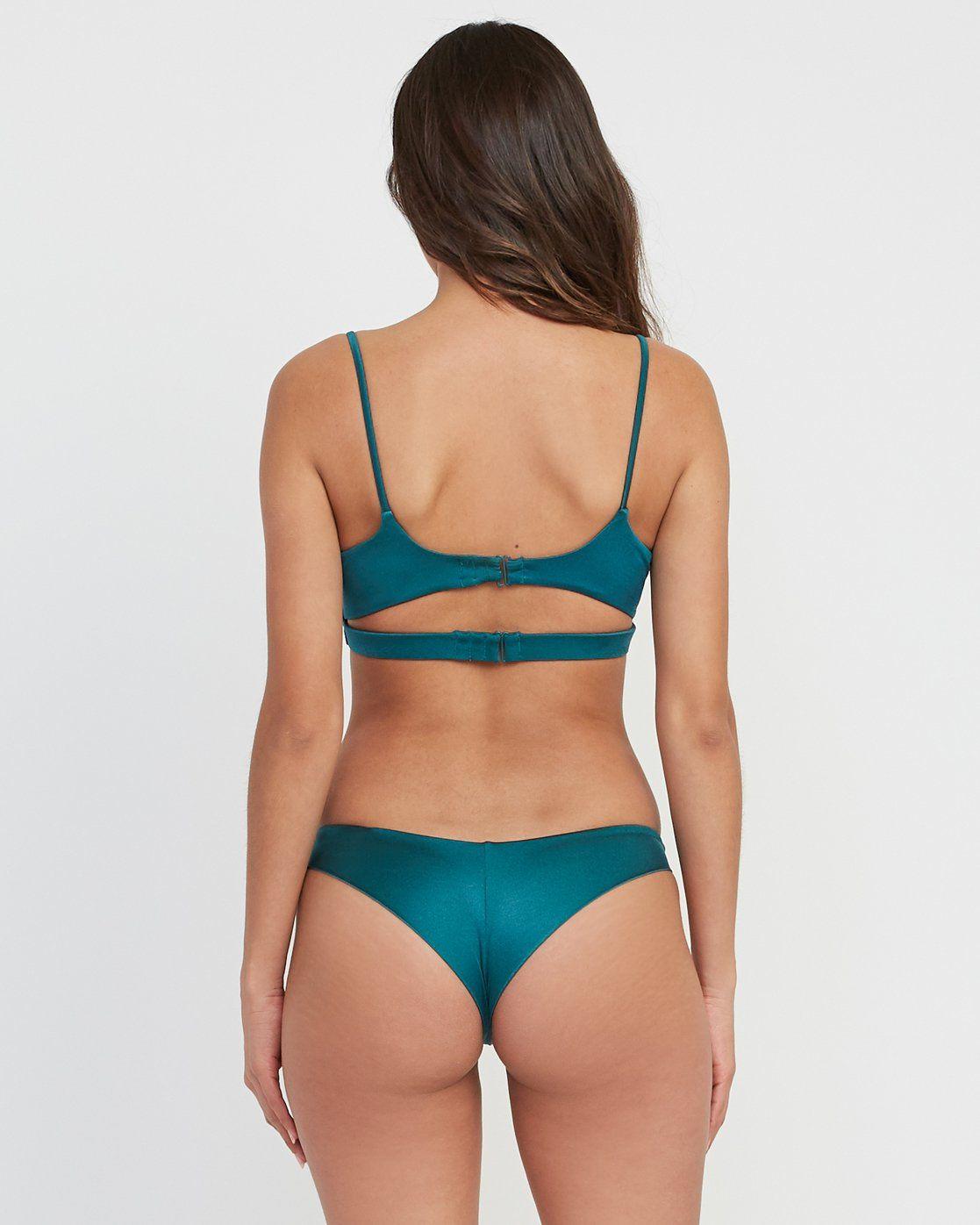Clinched bikini bottoms
