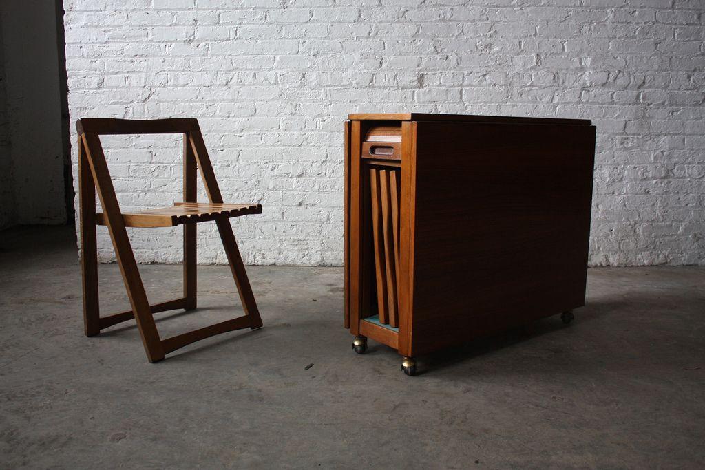 Insane Danish Mid Century Modern Drop Leaf Gate Leg Table With