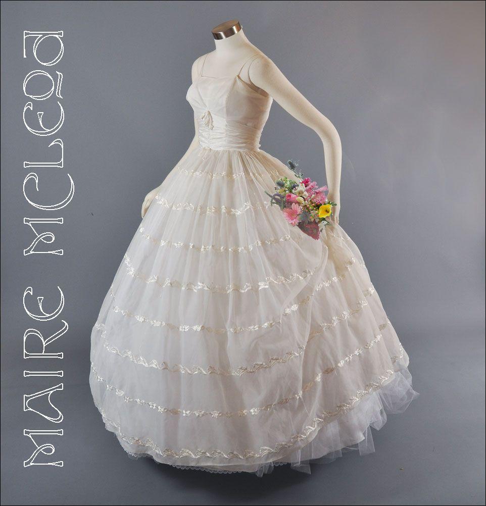 Item ID: 2032 In Shop Backroom | Wedding Gowns: 1900-1999 ...