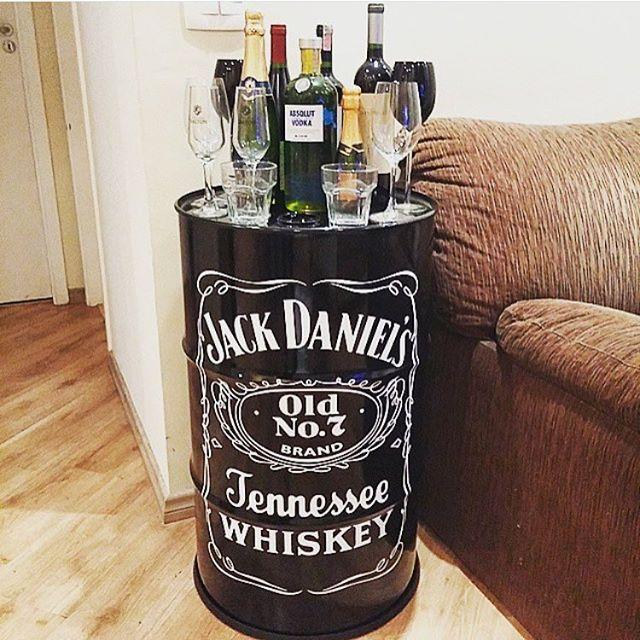 Tambores reciclados pesquisa google bar pinterest for Meuble jack daniels